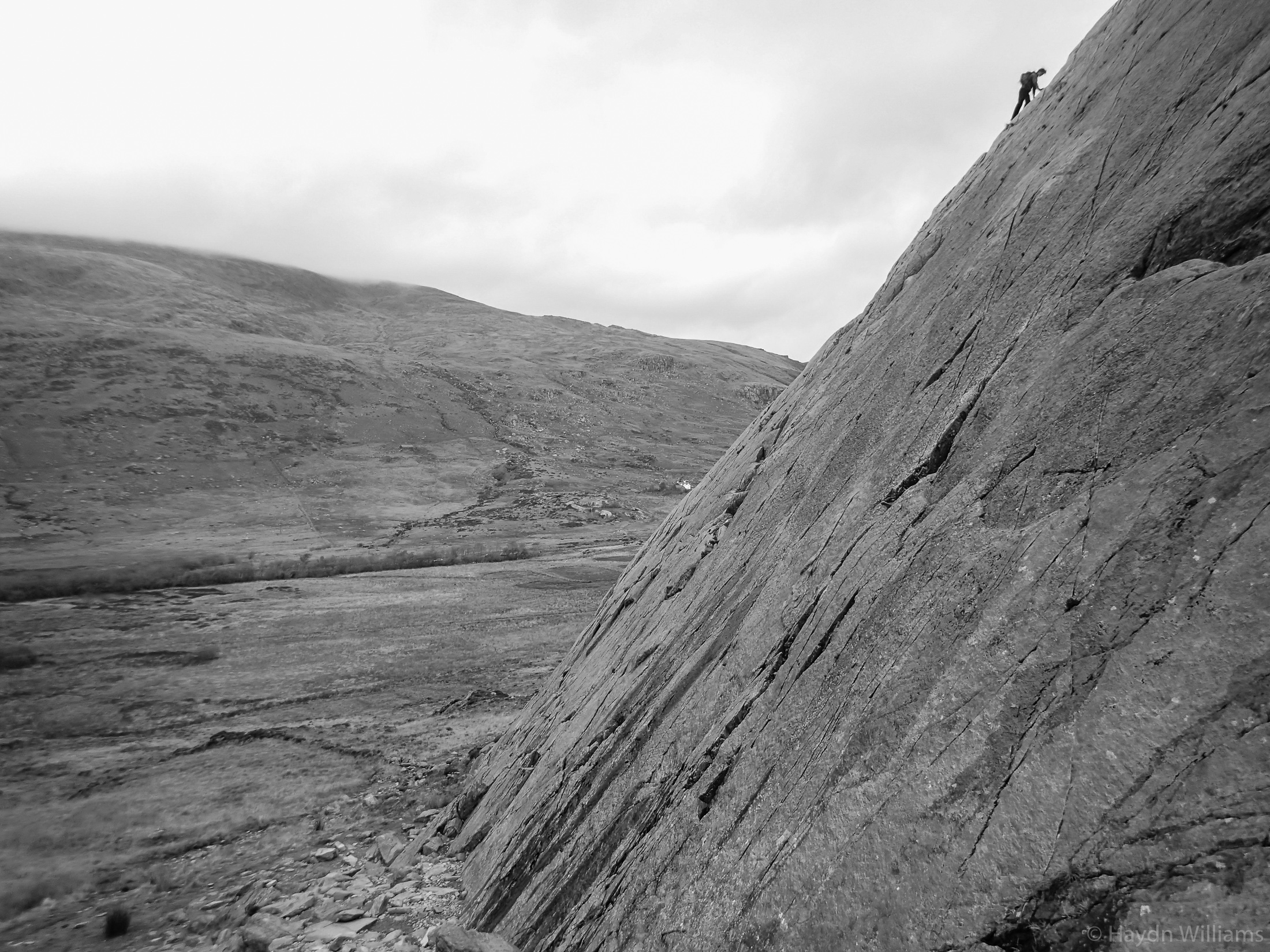 John takes the scenic route over Tryfan Bach. ©Haydn Williams 2017