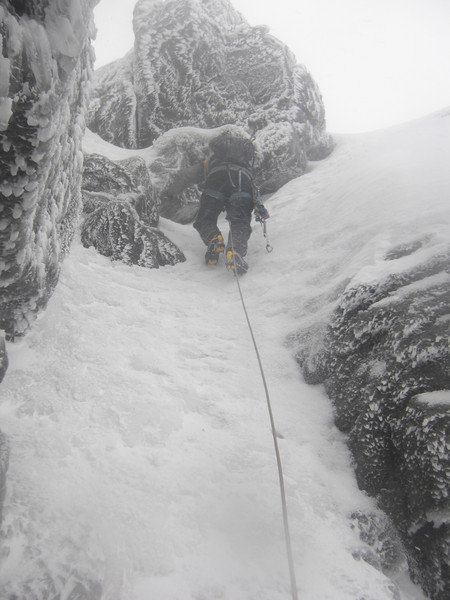 James leading the top of Hidden Gully.  Copyright Haydn Williams 2010