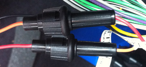12V permanent and ignition wires from UNIKA to vehicle supply - note the swap between red and orange.  © Haydn Williams 2012