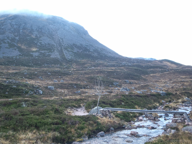 The upper reaches of Glen Derry, with Sgùrr an Lochan Uaiune behind. © Haydn Williams 2014