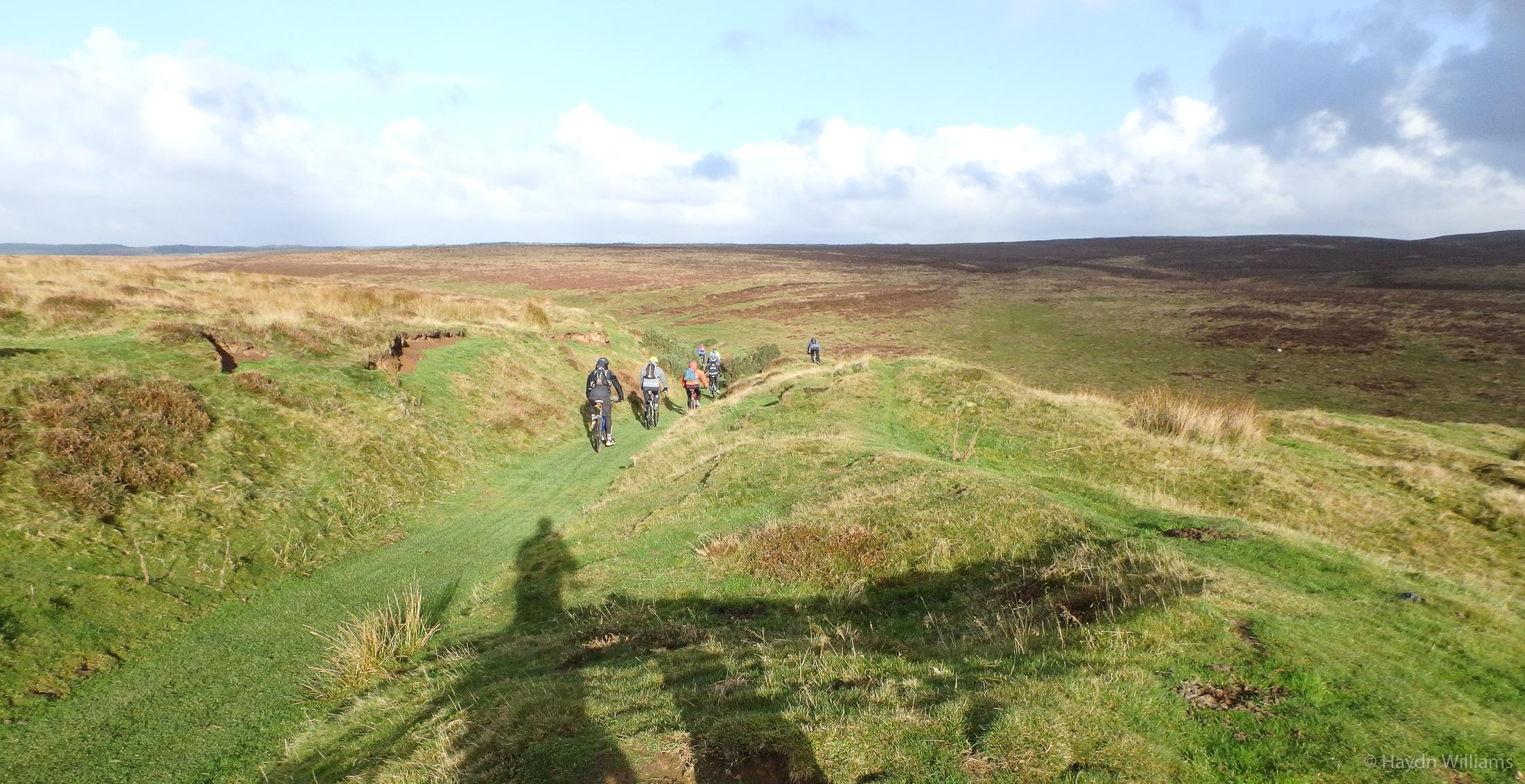 Bowliners starting across Levisham Moor. © Haydn Williams 2016