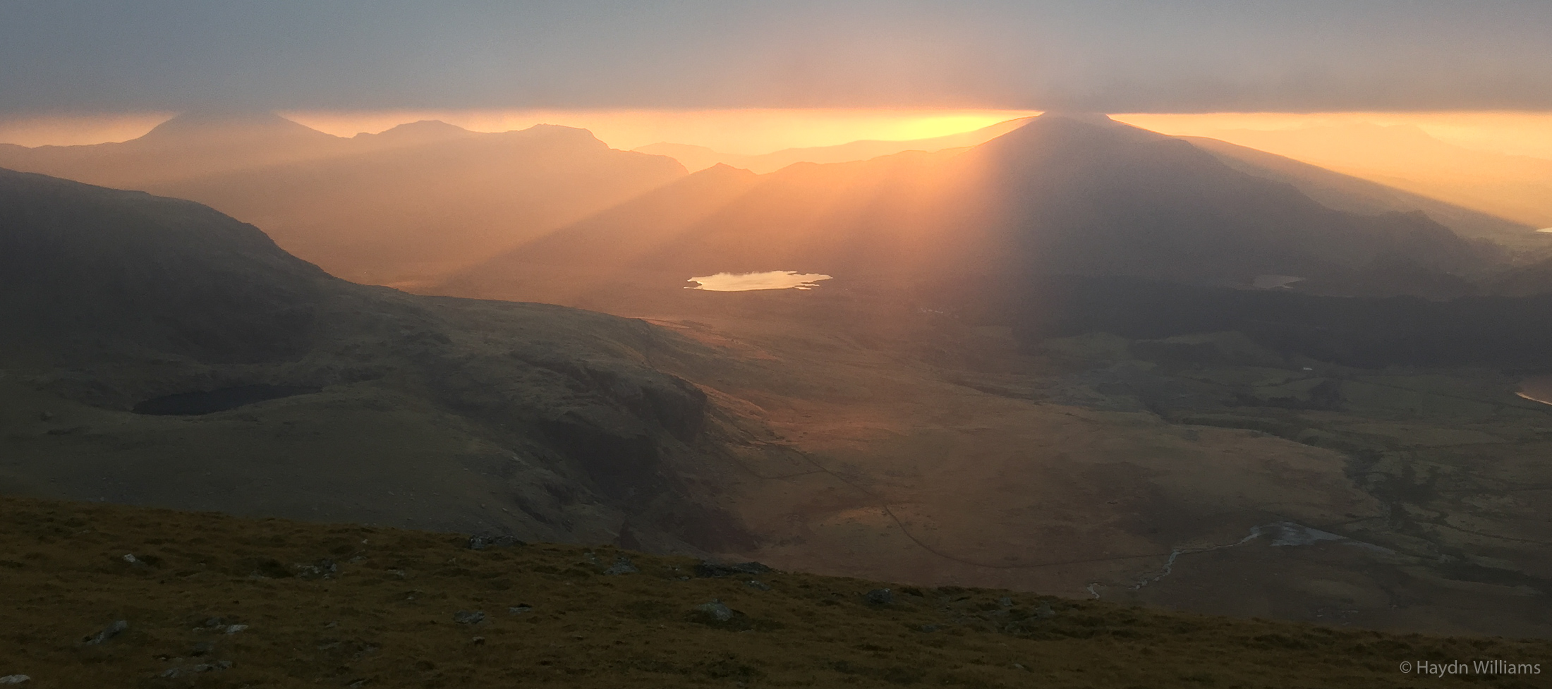 Nantlle and the Lleyn Peninsula from the Snowdon Ranger path. © Haydn Williams 2016