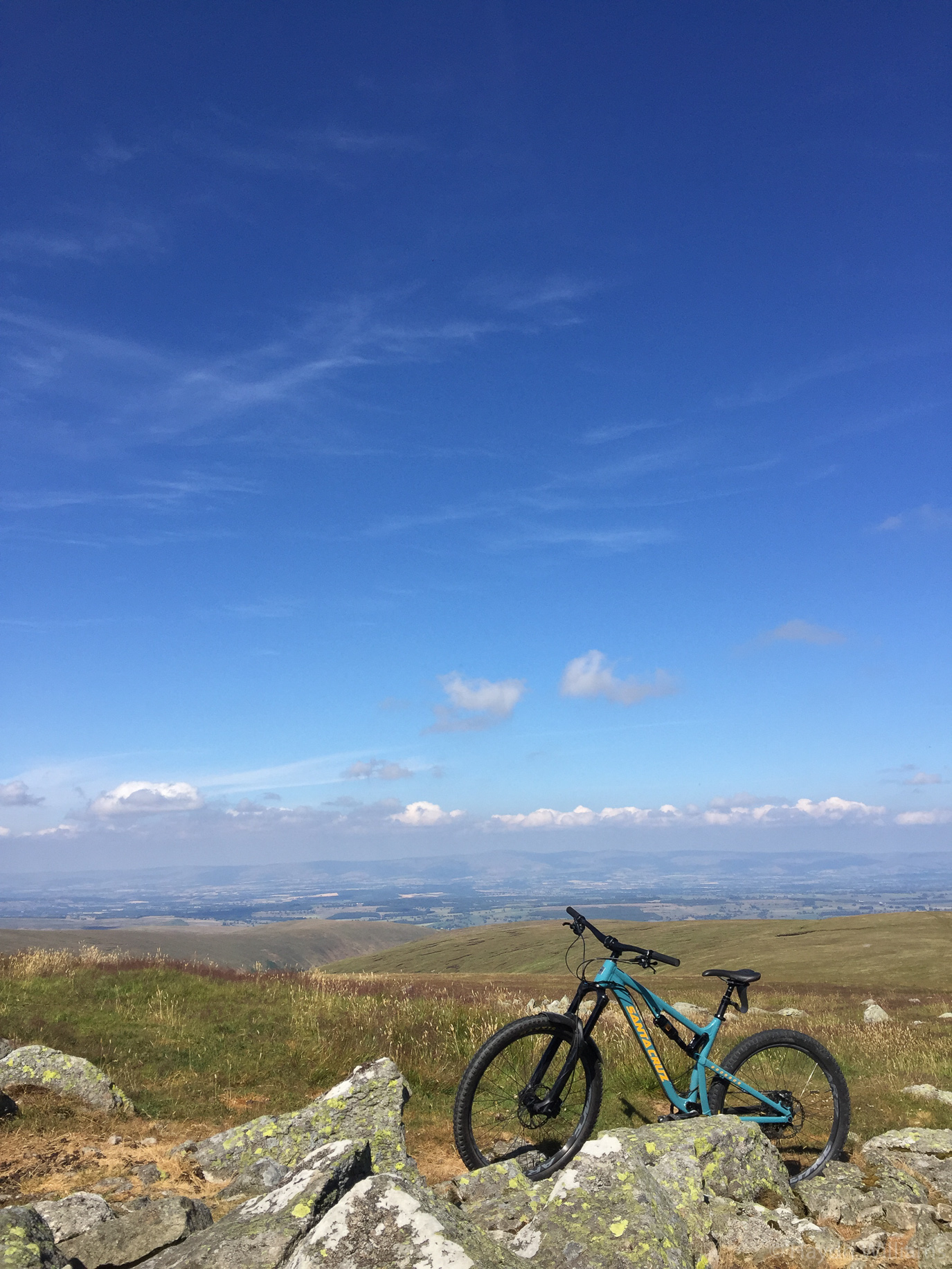 Just me and the bike, and no-one else for miles. High Raise. © Haydn Williams 2018